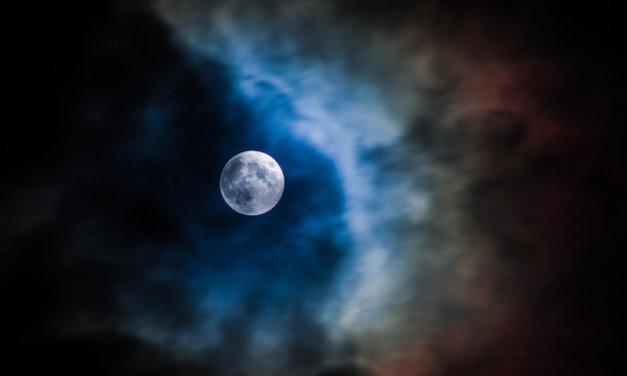 A Full Moon Ritual for Love
